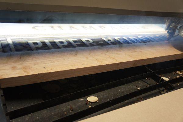 piper-heidsieck-graveren-panelen-groot-1-138D67AEA-F8CA-FFA2-CE9A-D081991D42F0.jpg